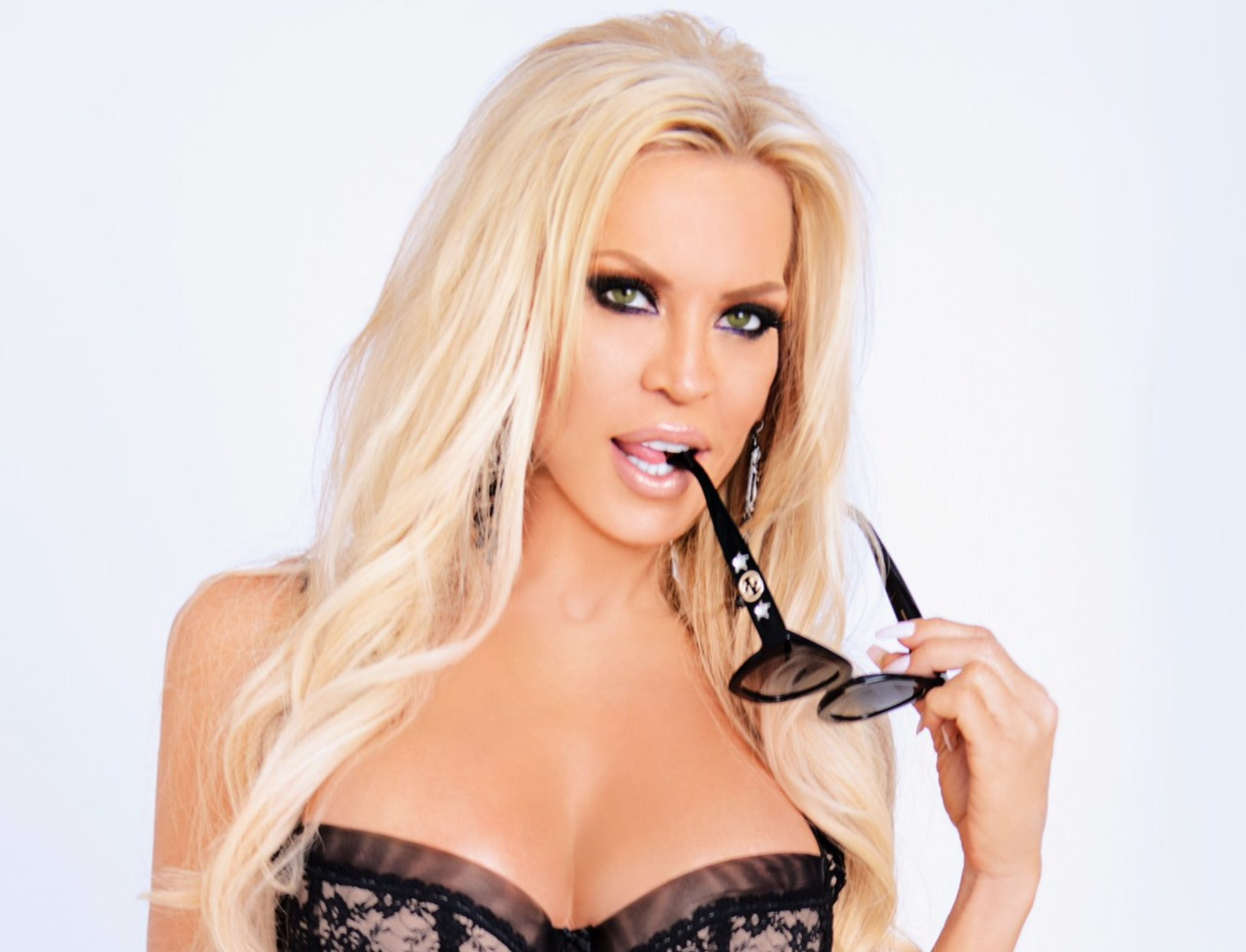 Amber Lynn Naked legendary adult star - amber lynn - official site of the